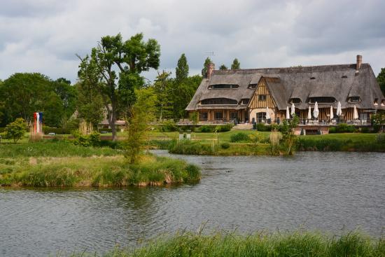 Le Vaudreuil Φωτογραφία