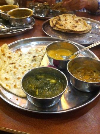 Buter Nan , Butter Roti, Sahai Paneer, palak Paneer and kali