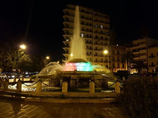 Провинция Таранто, Италия: Taranto - piazza Ebalia