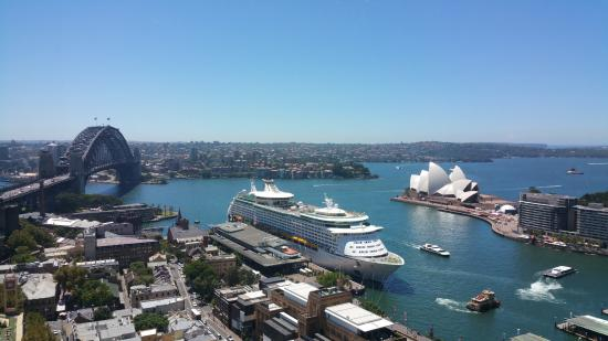 Four Seasons Hotel Sydney: A room with a GREAT view!!