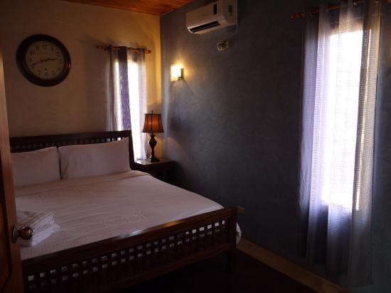 El Sitio Playa Venao: Комната с большой кроватью
