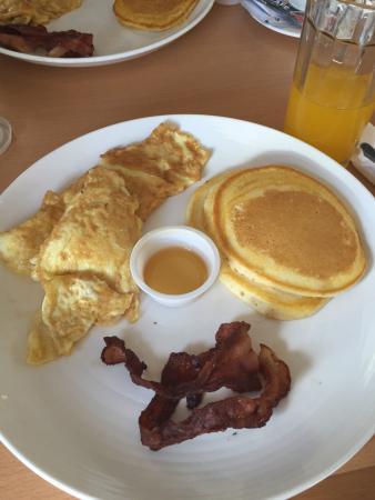 I's Plant Hotel: Breakfast
