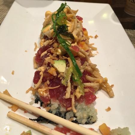 Old Saybrook, CT: The Tuna Sashimi Roll