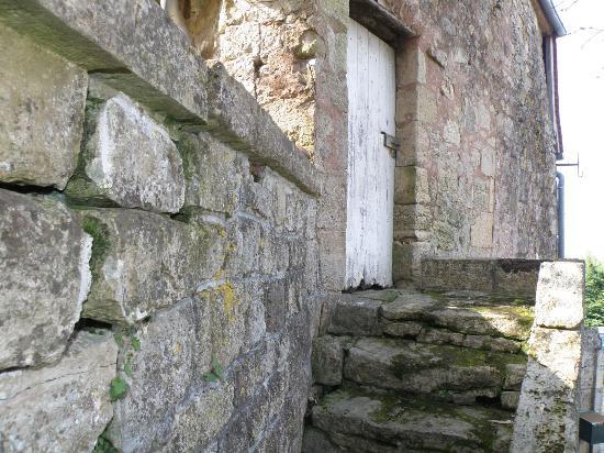 Ayen, Γαλλία: Les vieilles pierres
