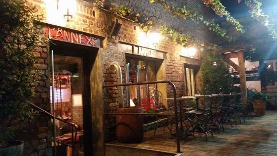 Salle de restaurant photo de l 39 annexe saint quentin for Restaurant le jardin 02190 neufchatel sur aisne