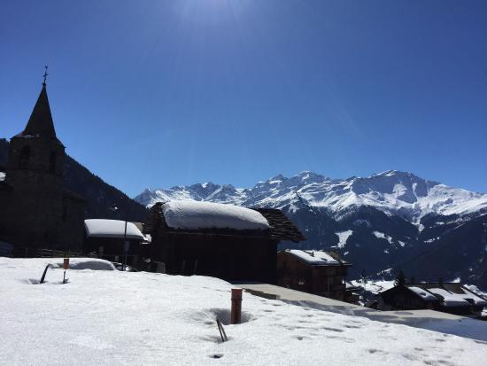 Les Touristes: Verbier Village - view from hotel