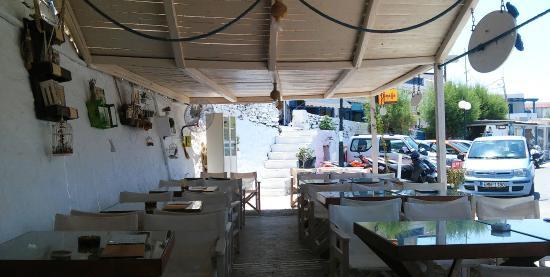 Fermina restaurant 12, Merichas Kithnos