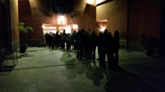 Fuencaliente de la Palma, España: Queue to get into the main dining hall