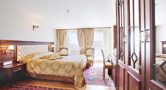 Hippodrome Hotel Photo