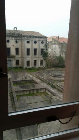 Ibis Carcassonne Centre : 20160325_072627_large.jpg