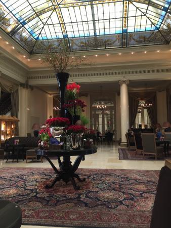 BELLEVUE PALACE Bern: The lobby