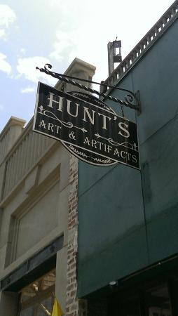 ‪Hunt's Art & Artifacts‬