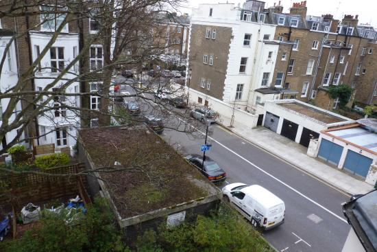 The Kensington Studios: Look right from the rear of the property