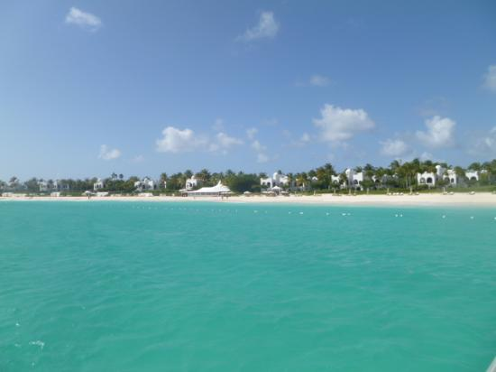 Simpson Bay, Saint-Martin / Sint Maarten: desde el catamaran llegando a la playa de anguilla