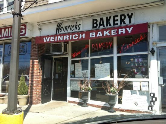 Weinrich Bakery: Best bakery!!