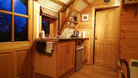 Kilsyth, UK: Kitchen area