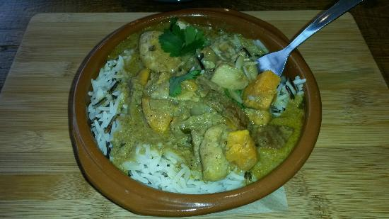Northamptonshire, UK: Chicken & sweet potato Ceylon curry with wild rice - yum!