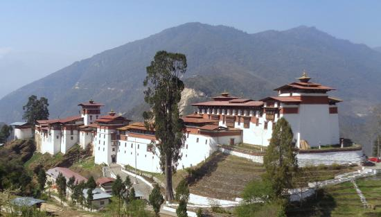 Tongsa Dzong from town Picture of Tongsa Dzong Trongsa TripAdvisor