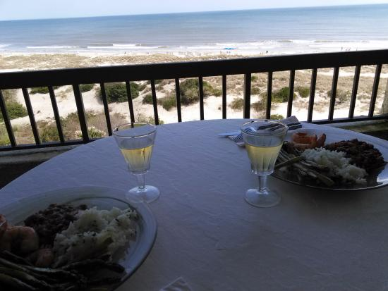 Amelia Surf & Racquet Club: late lunch from one of the two balconies - It doesn't get any better!