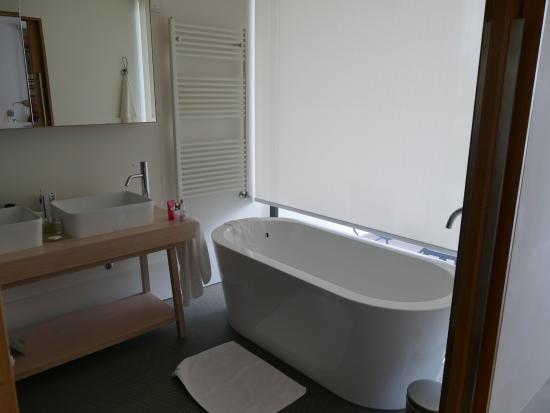 bad mit dusche und wanne sowie zwei waschbecken - bild von, Hause ideen