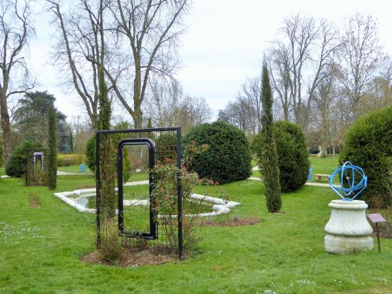 Buc, Francja: les bosquets du parc
