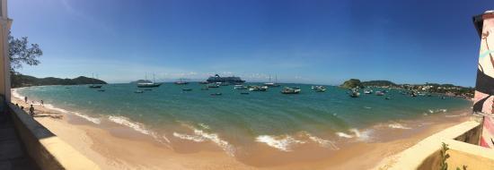 Nomad Buzios Seashore Hostel: Ótima vista de frente para o mar!