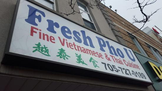 Barrie, Kanada: Many varieties with reasonable price! The food is fresh and delicious!