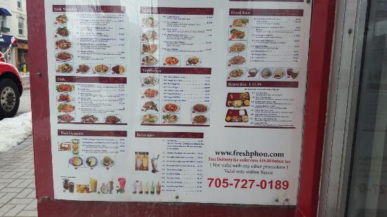 Barrie, Canadá: Many varieties with reasonable price! The food is fresh and delicious!