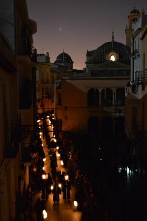 Palacio de Tudemir Boutique Hotel: Procesión del Silencio. Se aprecia el Claustro de la Catedral a la derecha.