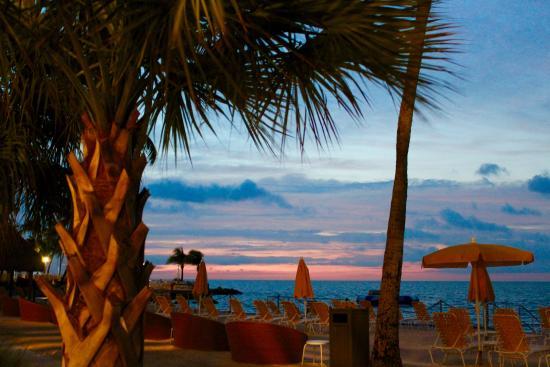 Postcard Inn Beach Resort & Marina at Holiday Isle: sunrise