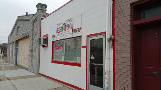 Adrian, MI: Storefront for Puerto Mex Latino Grill