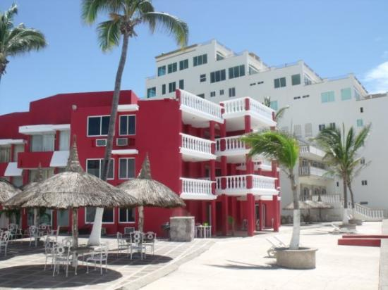 Welcome to Hotel Hacienda Blue Bay