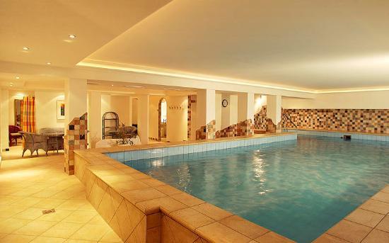 Hotel Serles: Hallenbad