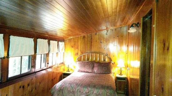 Miranda, Kalifornia: Cabin 8 inside