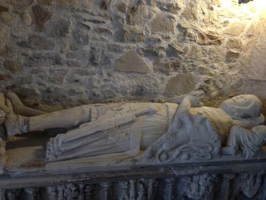 Tomb: Effigy of a knight in St. Thomas the Martyr C of E