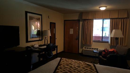 Best Western Plus Inn of Hayward: 20160322_182956_large.jpg