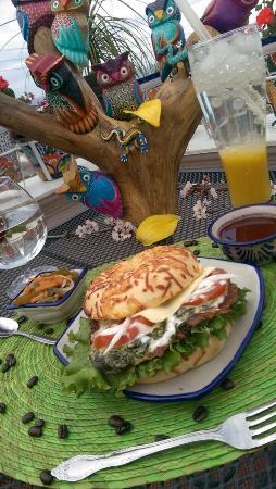 Palua Cafe & Artesanias