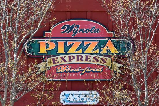 Wynola Pizza Wood Fired & Bistro: Sign on side of building