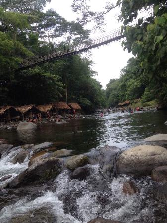 Bicol Region, Filipinas: Mampurog River