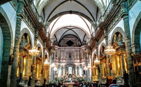Templo de San Agustin: Adyacente al teatro degollado vista de noche