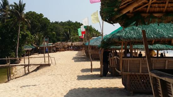 the row of cottages by the beach picture of patar beach bolinao rh tripadvisor co za