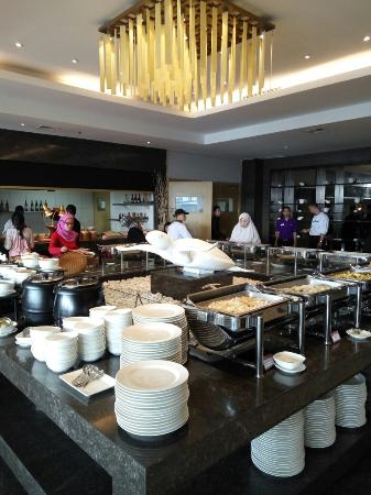 buffet breakfast picture of grand tjokro bandung bandung rh tripadvisor ie