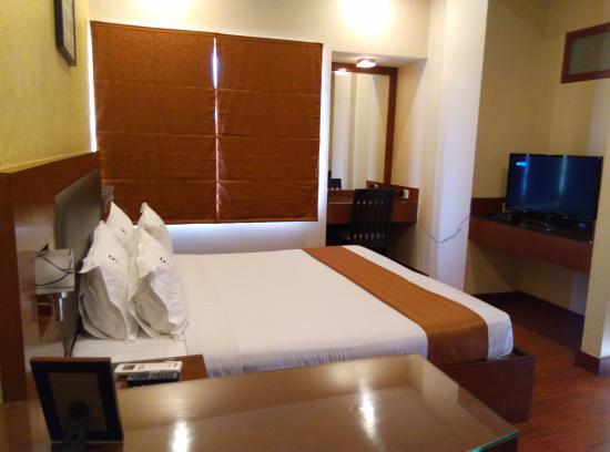 Фотография FabHotel Prime Santhome Inn