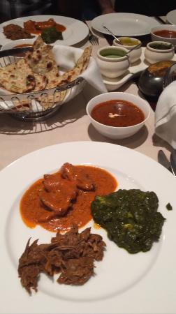 The Indus: Main Course: Butter chicken, Lamb, Spinach Paneer, Daal Makhani, Naan