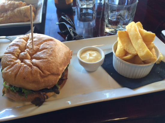 Waiuku, Nueva Zelanda: Gourmet Beef Burger