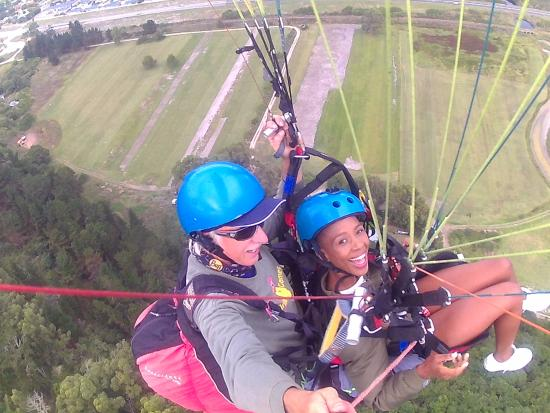 Cloudbase Paragliding: up in the clouds