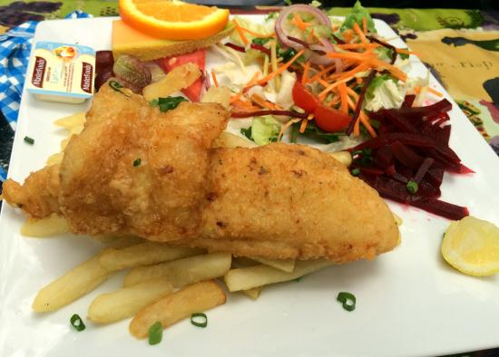 Concord West, Australien: Fish and chips at Kokoda Cafe