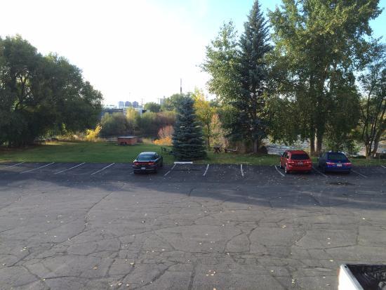 Saint Anthony, ID: Вид из номера на паркинг