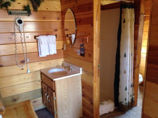 Bryce Canyon Country Cabins: photo1.jpg