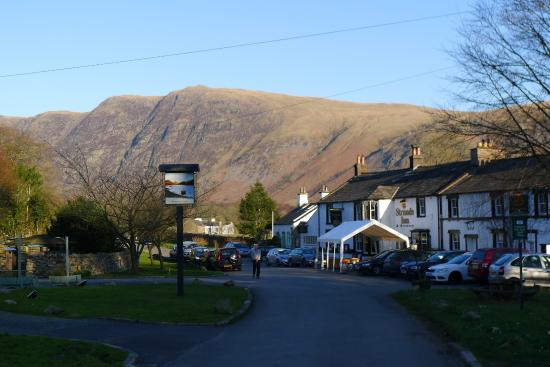 Strands Inn & Brewery : Strands Inn with Whin Rigg behind, late afternoon